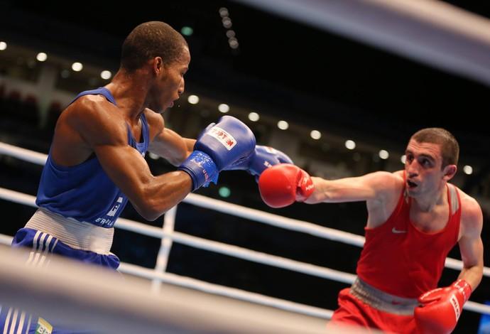 Robson Conceição Albert Selimov semifinal mundial de boxe (Foto: Divulgação/Aiba)
