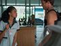 Gabriel procura Joana e pede desculpas pelo comportamento de Bárbara
