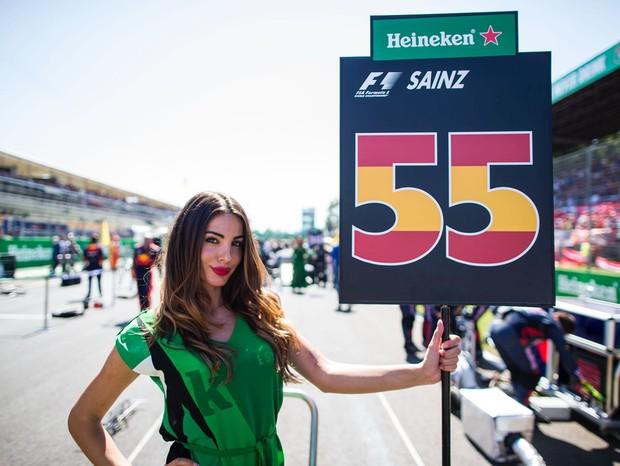 Grid girl em uma das corridas de Fórmula 1 (Foto: Getty Images)