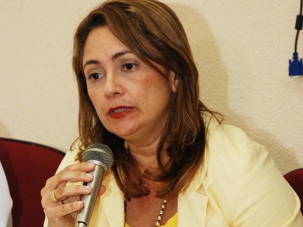 Aleuda Nágila deixa a diretoria-geral do Hospital Santa Isabel para assumir a Secretaria de Saúde de João Pessoa (Foto: Felipe Gesteira/Jornal da Paraíba)
