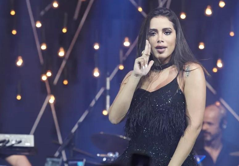 Anitta canta de tudo no Msica Boa Ao Vivo (Foto: Multishow)