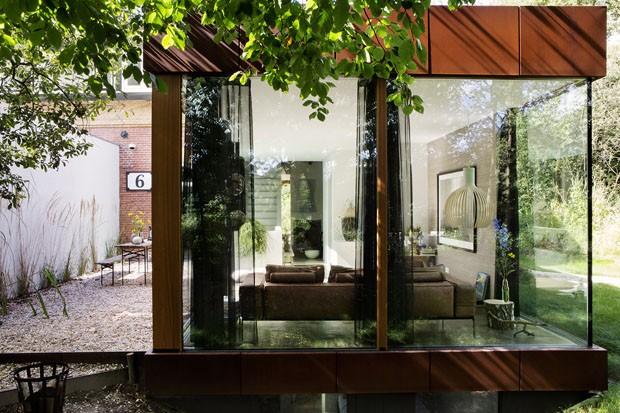 Casa de campo centenária ganha visual rústico e luxoso na reforma (Foto: Inga Powilleit/Divulgação)
