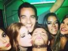 Klebber Toledo ganha beijo de Marina Ruy Barbosa em festa