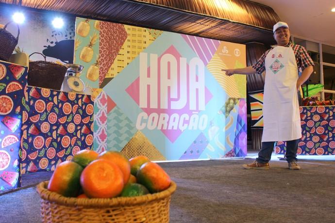 Feira cenográfica foi montada na praça de alimentação do Shopping Sumaúma (Foto: Katiúscia Monteiro/ Rede Amazônica)