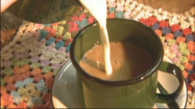 Café deve ser consumido puro para não afetar absorção de vitaminas (Foto: Reprodução)