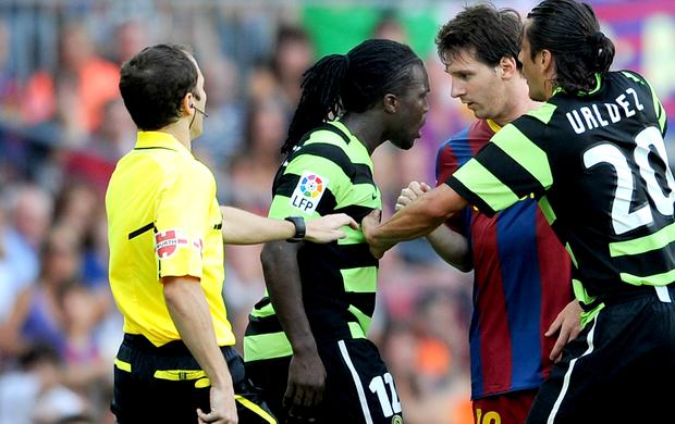 Drenthe hercules messi barcelona confusão (Foto: Agência Getty Images)