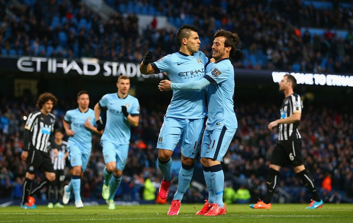 Sergio Aguero e David Silva, gol Manchester City (Foto: Getty Images)