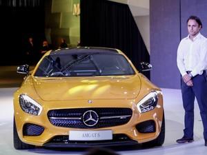 O piloto de Formula 1 Felipe Massa participa da apresentação da Mercedes AMG GT S no Salão do Automóvel de São Paulo (Foto: Caio Kenji/G1)