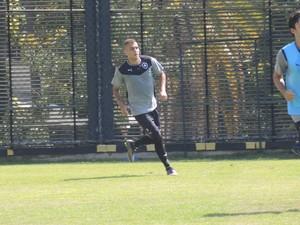 Octávio treino Botafogo (Foto: Marcelo Baltar)