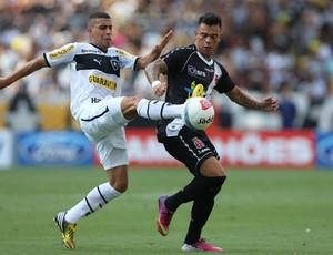 Gabriel e Bernardo, Vasco x Botafogo (Foto: Satiro Sodre/AGIF)