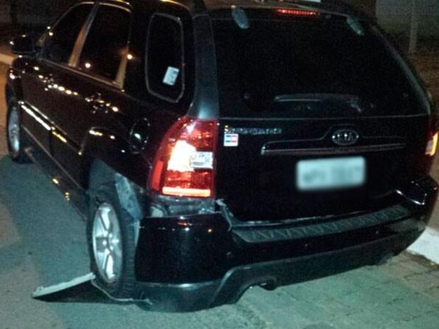 Moto do cozinheiro atingiu a lateral traseira do carro  (Foto: Tenente da PM Daniel Costa)
