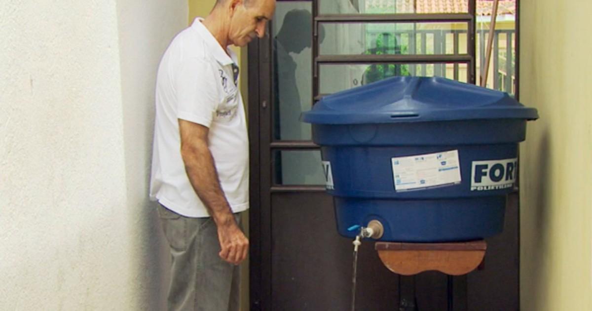 Taxista cria método para economizar até 600 litros de água durante ... - Globo.com