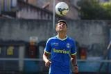 Felipão observa possíveis substitutos de Luan em treino de reservas