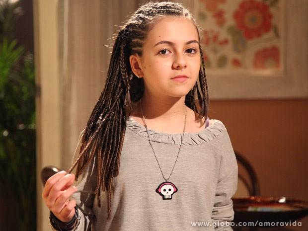 Klara castanho pronta para entrar em cena com dreads nos cabelos foto