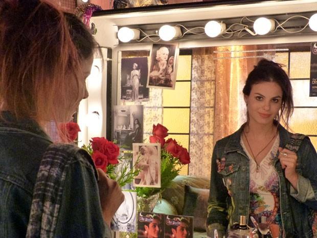 Sthefany caracterizada como Amaralina (Foto: Flor do Caribe / TV Globo)