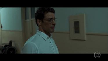 Maurício sofre após atender pedido de Beatriz
