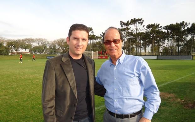 Heder e Antônio Lopes, diretor de Futebol do Atlético-PR (Foto: Arquivo Pessoal/Heder Palmonari)