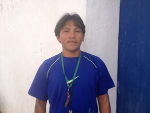 Japu Wajãpi representou a tribo no lançamento do selo (Foto: Cassio Albuquerque/G1)