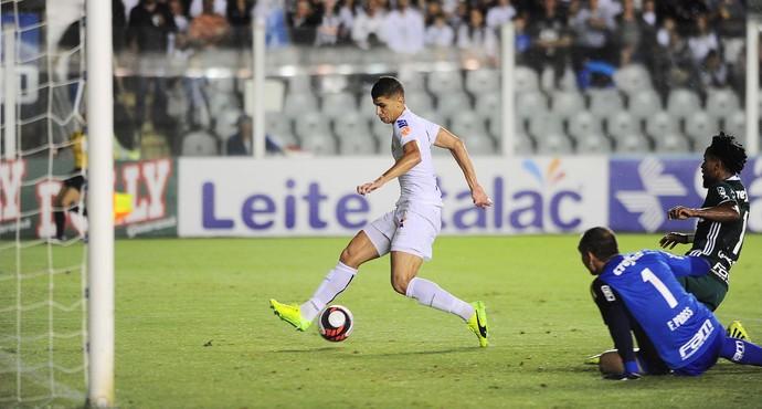 Vitor Bueno Santos x Palmeiras (Foto: Marcos Ribolli)