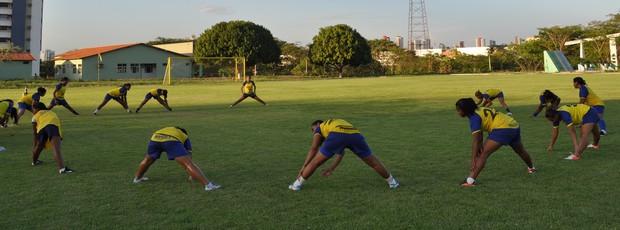 Base do Tiradentes-PI mantem treinamentos físicos e aguarda reforços para os próximos dias (Foto: Renan Morais/GLOBOESPORTE.COM)