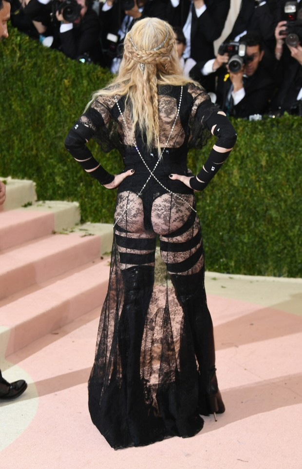 Madonna no baile de gala do MET (Foto: Getty Images)