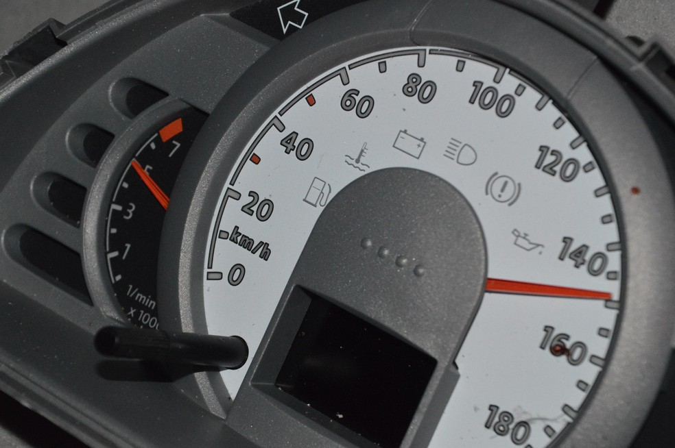 Velocímetro ficou travado nos 150 km/h (Foto: Manoel Moreno / I7 Notícias)