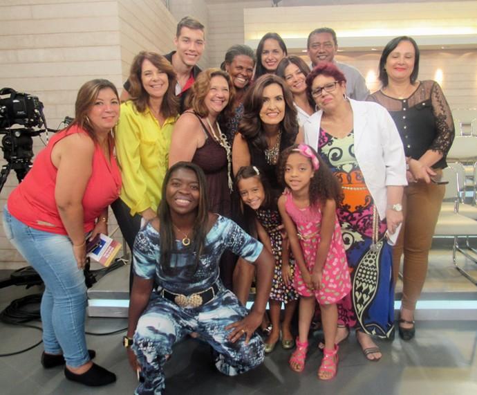 Plateia tira foto com a Fátima  (Foto: Priscilla Massena/Gshow)