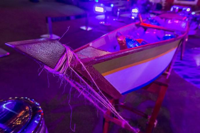 Uma canoa foi usada como cooler para as bebidas (Foto: Artur Meninea/Gshow)