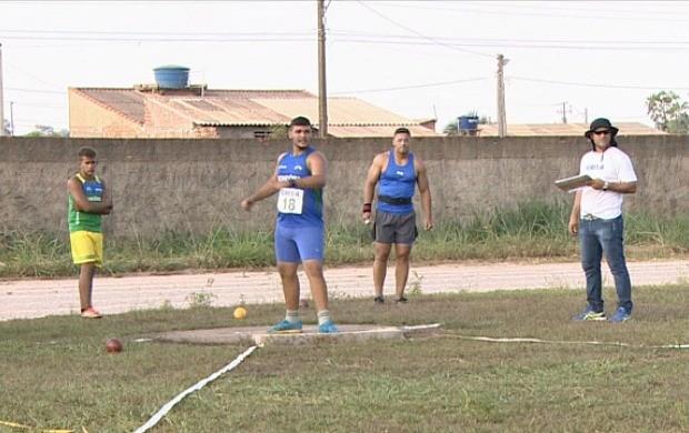 Atletas juvenis competem em campeonato sub-23 de atletismo, em RO (Foto: Bom Dia Amazônia)