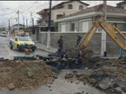Cratera gigante causa transtornos no bairro Rádio Clube em Santos, SP