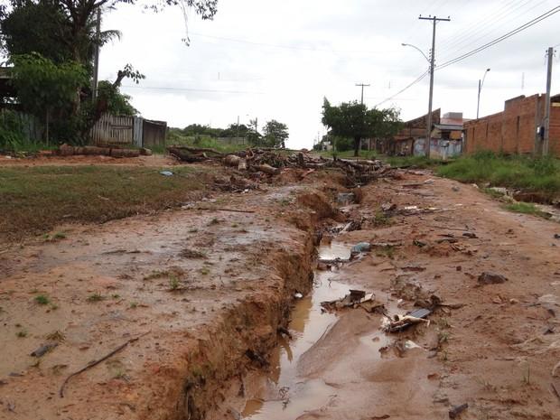 Secretaria Municipal de Obras diz que problema será resolvido em até três meses (Foto: Gustavo Reouças/G1)