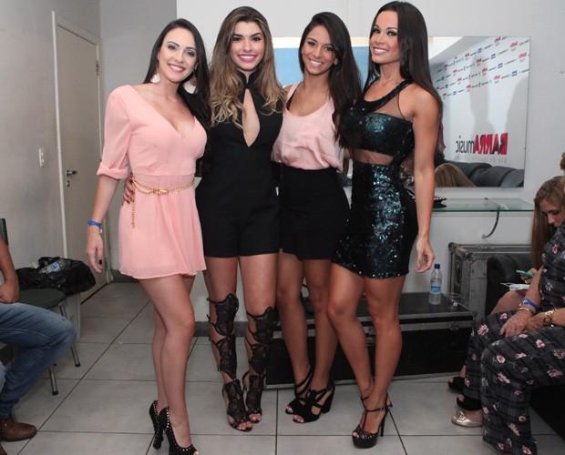 Ana Paula e as amigas do balé do Domingão, Gabrielle Cardoso,Tainá Grando e Fernanda D'avila (Foto: Carol Caminha/ GShow)