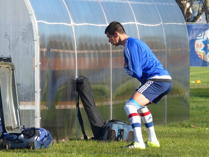 Victor Cáceres treino Paraguai (Foto: Richard Souza)
