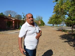 Funcionário da Pousada Pontal do Lago, Furnas, Carmo do Rio Claro (Foto: Samantha Silva / G1)