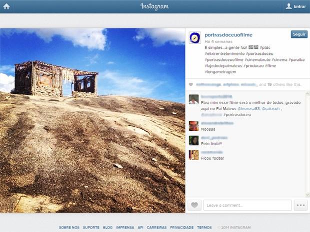 Casa dos protagonistas foi construída no Lajedo de Pai Mateus (Foto: Reprodução/Instagram/@portrasdoceuofilme)