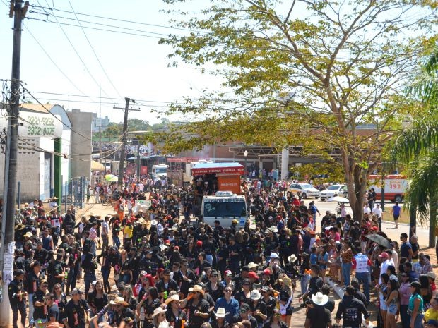 De acordo com a Polícia Militar, cerca de 20 mil pessoas participaram do evento  (Foto: Caio Fulgêncio/G1)
