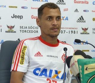 Alan Patrick Coletiva Flamengo (Foto: Fred Gomes)