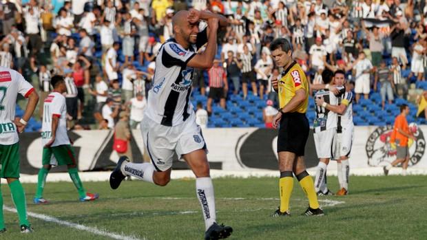 Ney Mineiro, jogador do Treze (Foto: Leonardo Silva/Jornal da Paraíba)