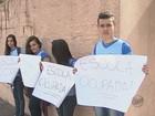 Estudantes temem superlotação e permanecem em 3 escolas da região