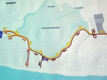 Estudos sobre o fluxo de trânsito na área da Via Mangue (Foto: Moema França/G1)