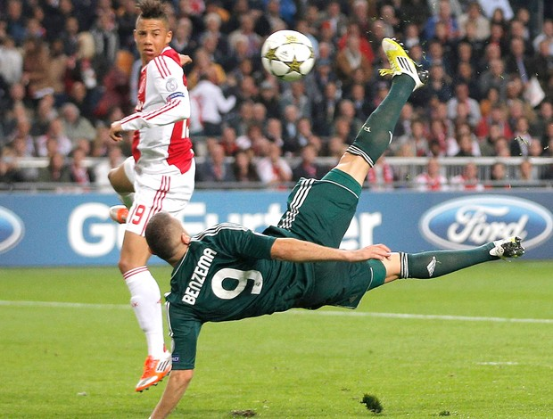 Benzema Ajax x Real Madrid Agência AP (Foto: Agência AP)