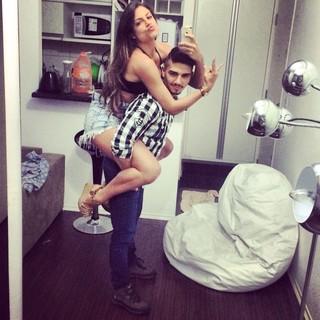Mari Gonzalez e o namorado, Cauê Marinho (Foto: Arquivo pessoal/Divulgação)