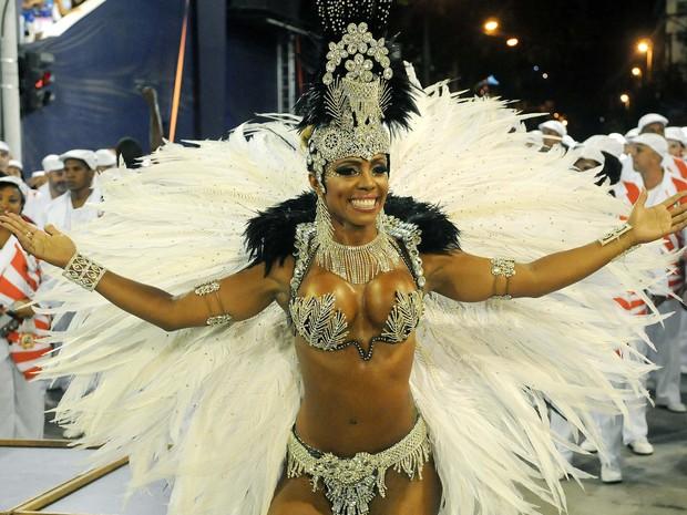 Mylla Ribeiro é rainha de bateria da Renascer de Jacarepaguá (Foto: Alexandre Durão / G1)