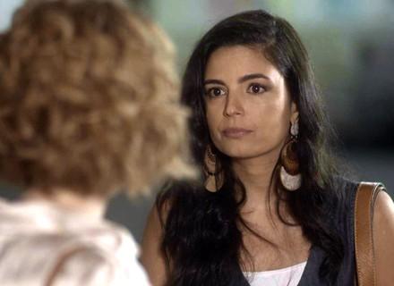Yara revela para Vitória que Ciro sempre teve uma amante