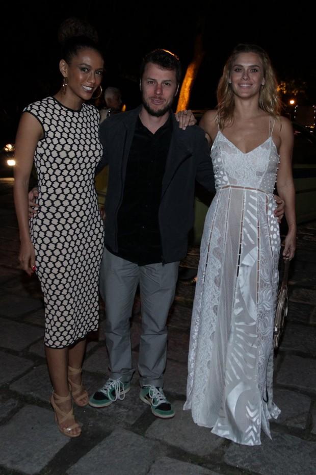 Taís Araújo, Tiago Worcman e Carolina Dieckman (Foto: Marcello Sá Barretto / AgNews)