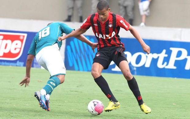 Walter e Cléberson, Goiás e Atlético-pr (Foto: André Costa / Agência Estado)