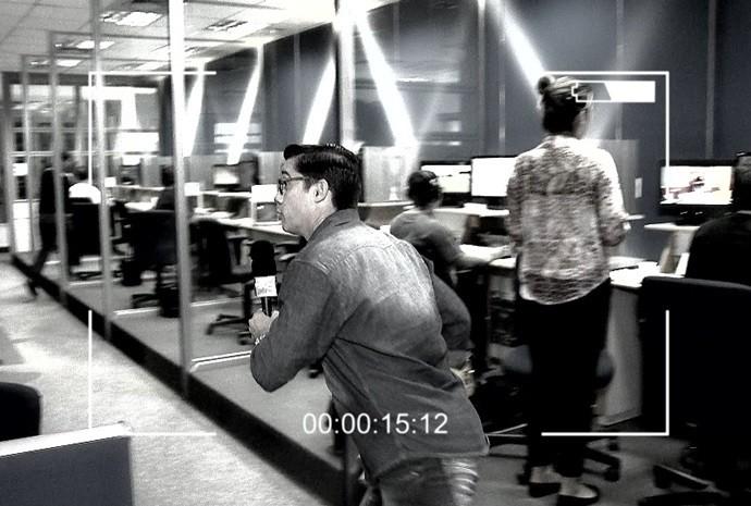 Marcão faz um passeio pela redação da TV TEM (Foto: Reprodução/TV TEM)