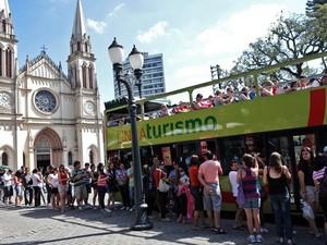 Linha Turismo estará operando, excepcionalmente, nesta segunda-feira (12). (Foto: Foto: Maurilio Cheli/SMCS )
