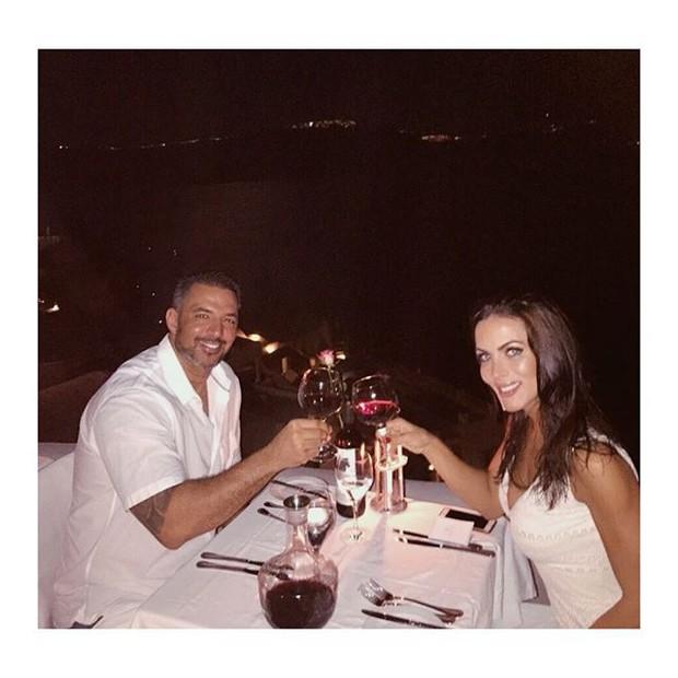 Carla Prata com o noivo (Foto: Reprodução/Instagram)