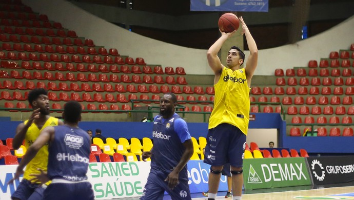 Fabricio Mogi das Cruzes basquete (Foto: Antonio Penedo/Mogi-Helbor)